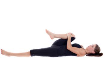 5 egyszerű jógapóz, amivel ledobhatod a fölös kilókat! | Egészségloriabutor.hu